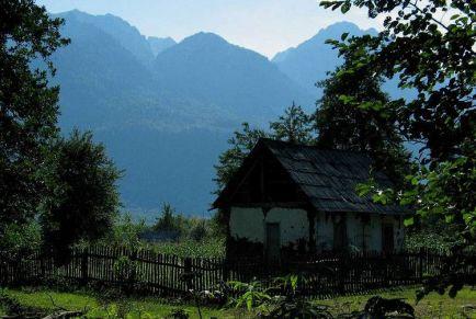 Поездки в Абхазию: туристический рай близко!