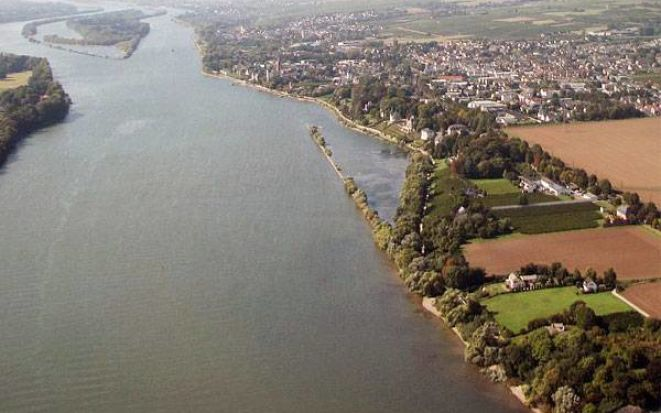 Вниз по Рейну