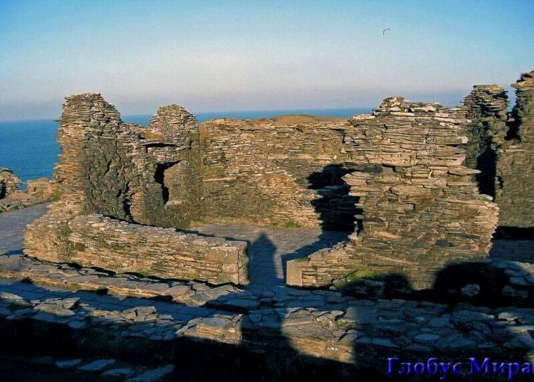 Руины замка Титандель