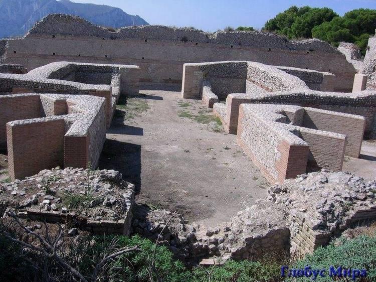 Благодатная Италия: Развалины виллы Джовис