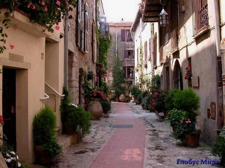 Страна цветов: городок Ла-Тюрби