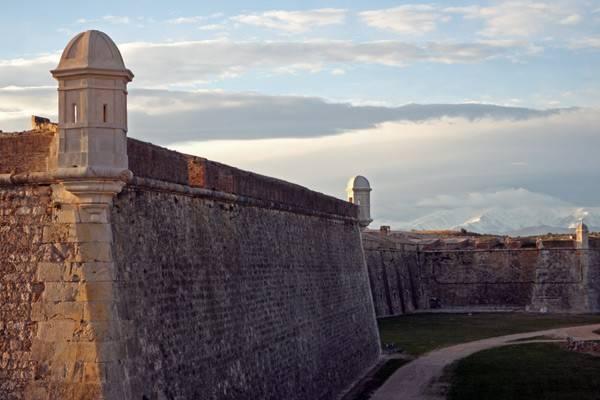 Замок Сан-Фернандо