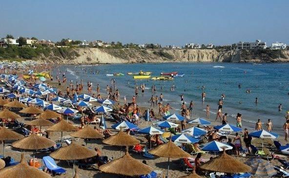 Пляж на Корал Бей в регионе Пафос