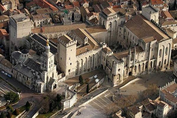 Авиньон: Папский дворец