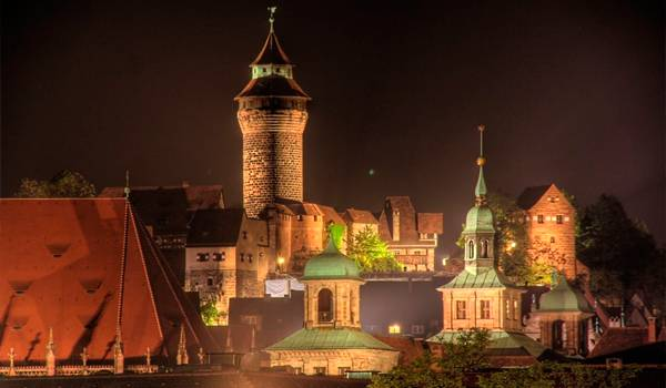 Крепость Нюрнберга ночью