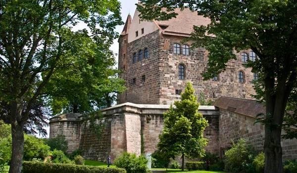 Массивная, прочная и надежная крепость Нюрнберга