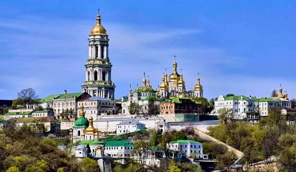 Знаменитая на весь мир Киево-Печерская лавра