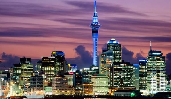 Sky Tower – самое высокое и заметное здание в Окленде