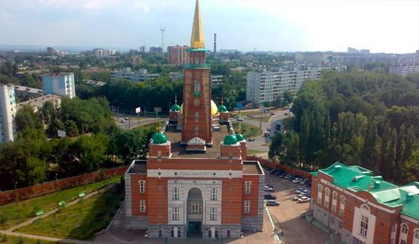 В Самаре можно встретить множество храмов