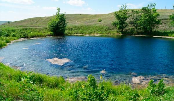 Прелестное голубое озеро