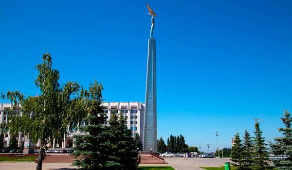 40-метровая конструкция очень выделяется