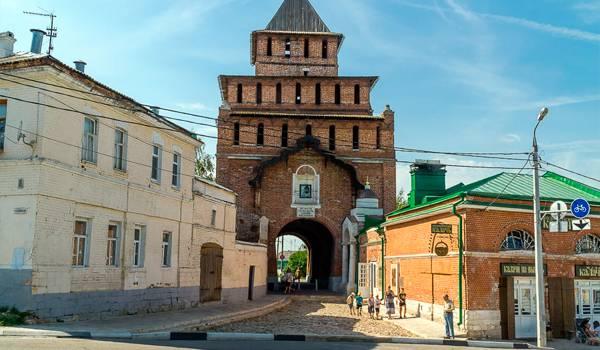 Пятницкие ворота – одна из самых главных достопримечательностей
