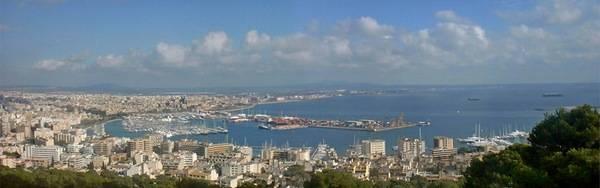 Море и яркий город – в этом вся Майорка
