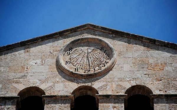 Часы на церкви Святого Франциска