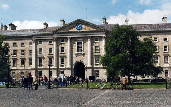 Тринити-колледж (Дублин) на острове