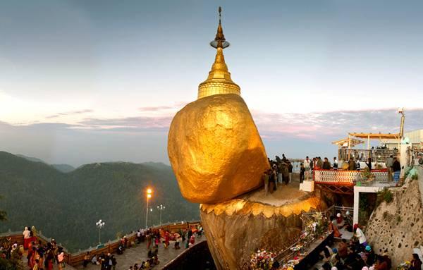Золотой камень в Мьянме