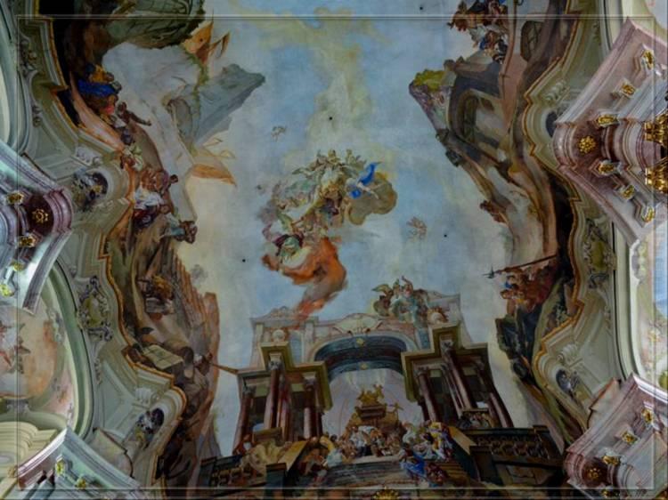 Роспись на потолке церкви