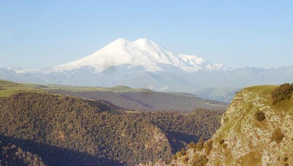 Вид на гору Эльбрус