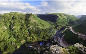 Медовые водопады в горной Карачаево-Черкесии