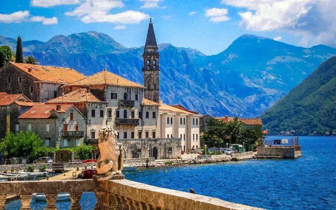 В какое время года лучше отдыхать в Черногории