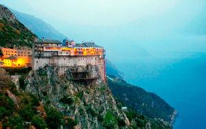 Святые монастыри горы Афон
