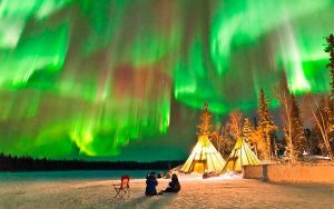 Полыхание северного сияния: природа возникновения