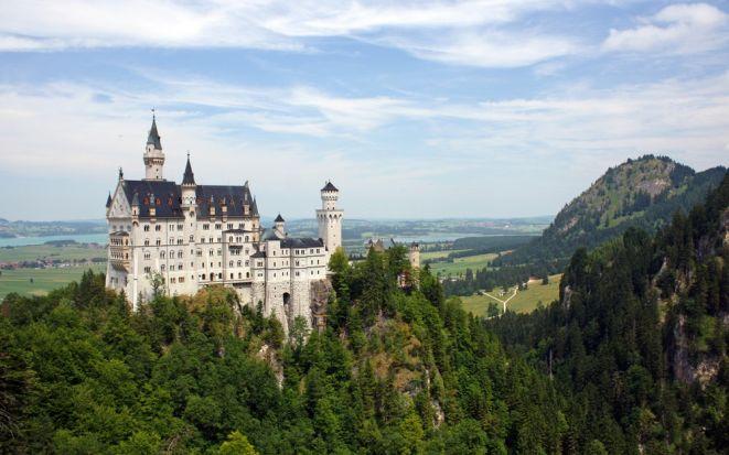 Замок Нойванштайн в Германии или «Новый лебединый утес»