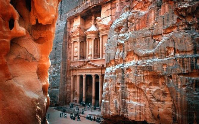 Петра: розовый скальный город