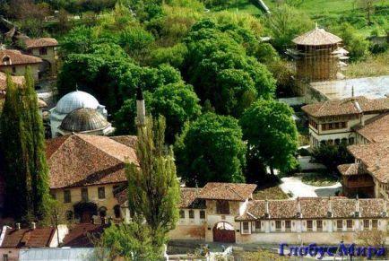 Бахчисарай: дворец в саду на полуострове сокровищ
