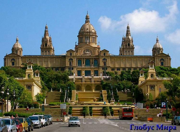 Национальный дворец на площади Испании в Барселоне