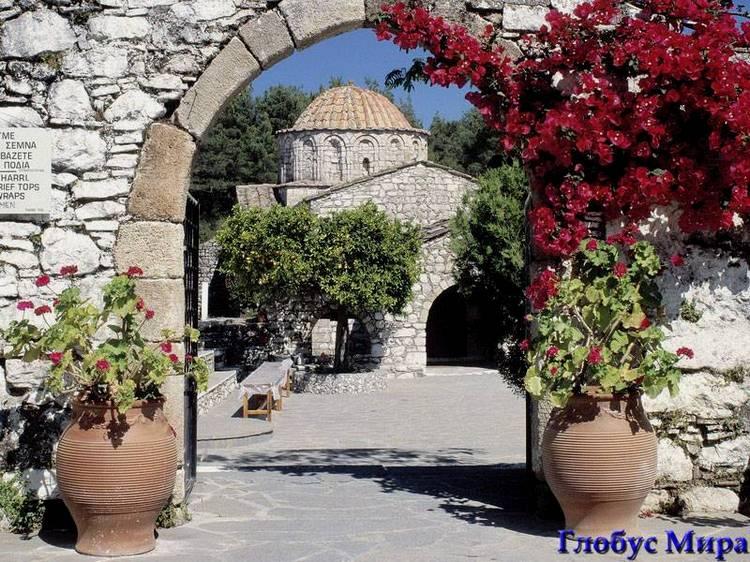 Монастырь Мони Тари