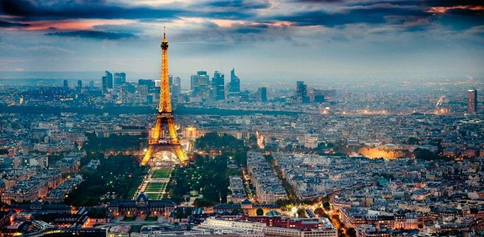 Панорама ночного Парижа