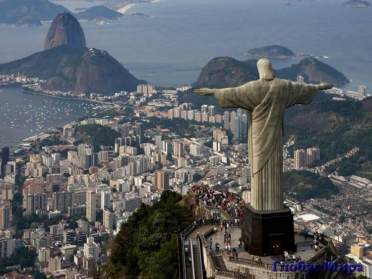 Статуя Иисуса Христа, осеняющего город (вид на город)