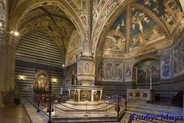 Баптистерий Сан Джованни. Италия, достопримечательности в Сиенне