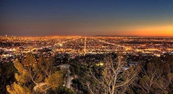 Панорама города с Голливудских холмов