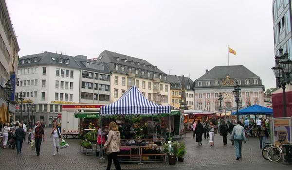 Рыночная площадь в Бонне