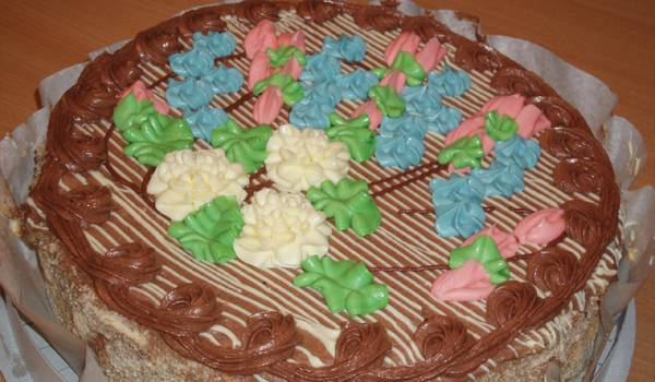 Торт Киевский – одна из самых главных вкусностей столицы