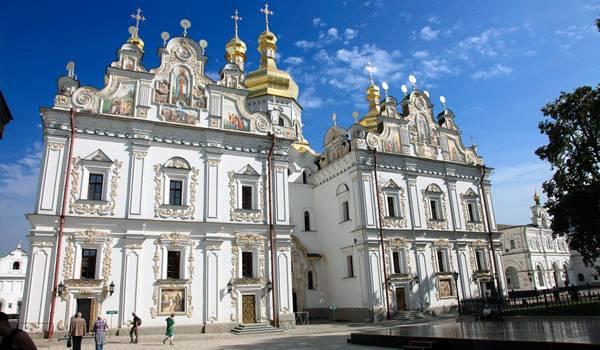 Все киевские храмы украшены просто шедеврально