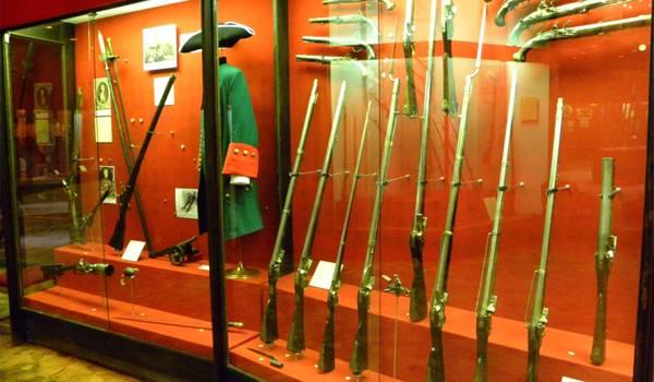 В каждом музее имеется грандиозная коллекция исторического оружия