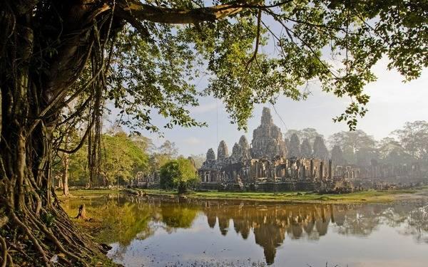 Храм Ангкор-Тома в Камбодже