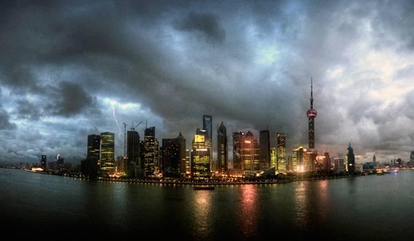 Шанхай во время грозы
