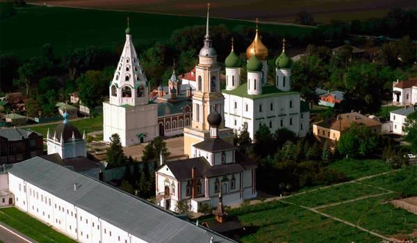 Комплекс на территории женского монастыря