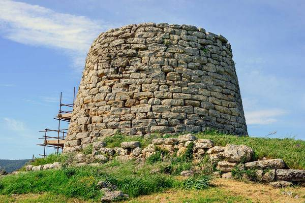 Древние башни Нураги