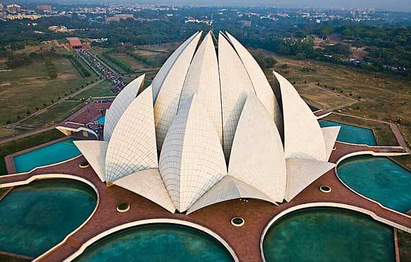 Храм Лотоса в золотом треугольнике Индии