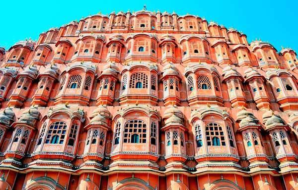 Дворец Хава-Махал в Золотом треугольнике Индии