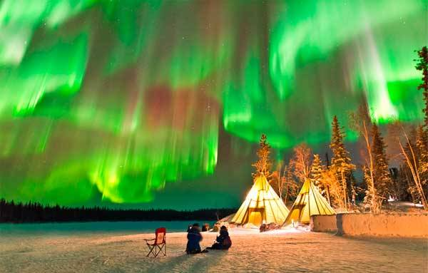 Северное сияние в Канаде