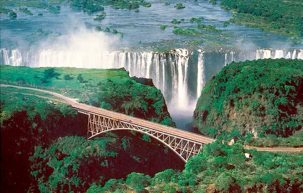 Один из самых высоких водопадов - Виктория