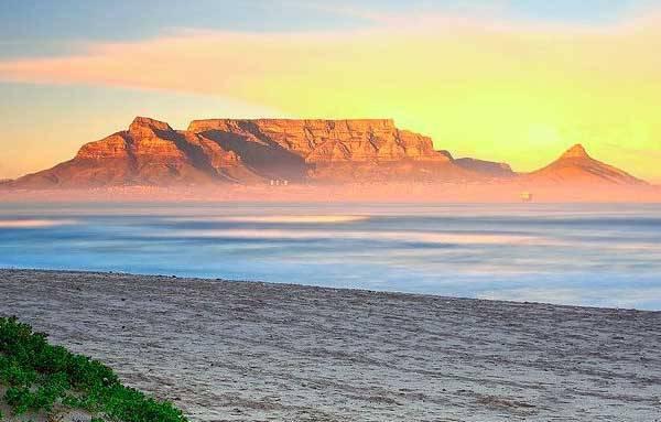 Вид на столовую гору в Южной Африке