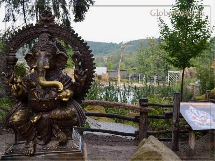 Скульптуры в долине слонов