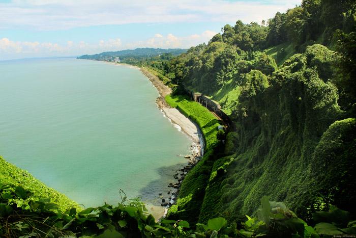 Море на Зеленом Мысу в Грузии